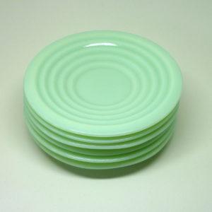 Petites assiettes opaline vert mint