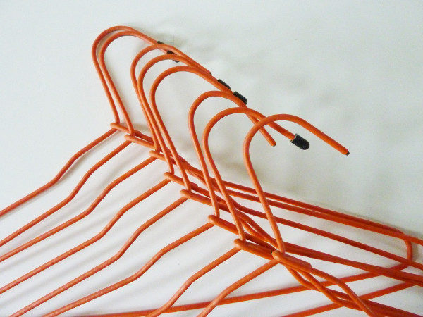 8 cintres orange