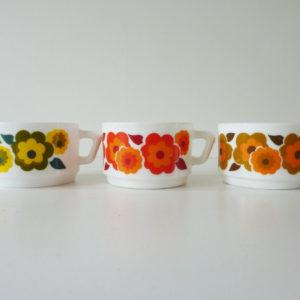 Tasses lotus multicolores