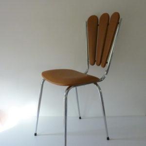 chaise-retro-dossier-petales