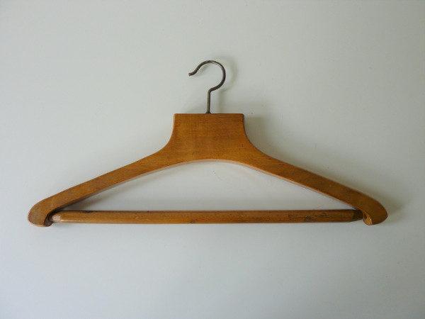 Cintre ancien pour costume