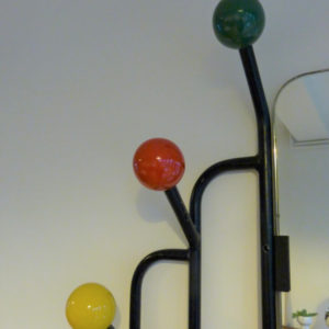 Vestiaire mural boules colorées