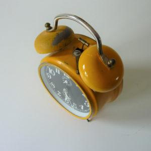 réveil jaz jaune vintage