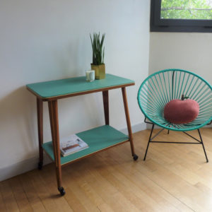 table à roulettes déco vintage