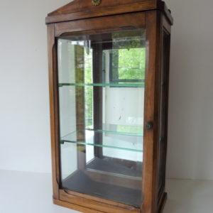 vitrine en bois ancienne