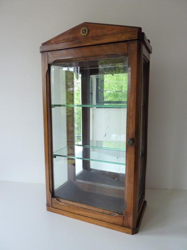 vitrine ancienne feeb 39 s little shop. Black Bedroom Furniture Sets. Home Design Ideas