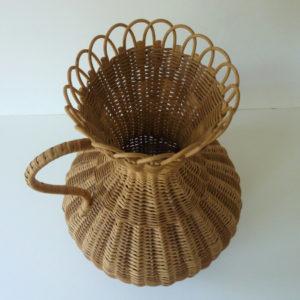 vase en rotin vintage