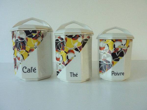 pots anciens décor art déco