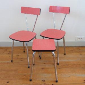 Chaises et tabouret en Formica rose vintage