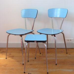 Chaises et tabouret formica bleu vintage