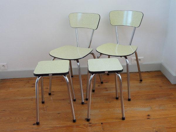 Chaises et tabourets formica jaune vintage