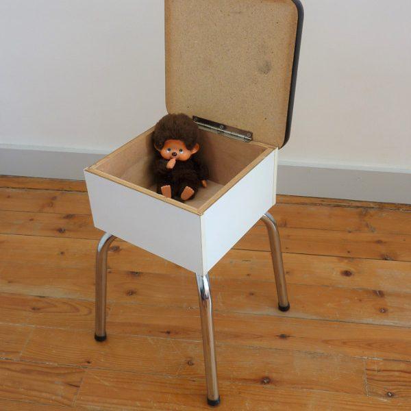 Tabouret de cireur formica blanc et bois