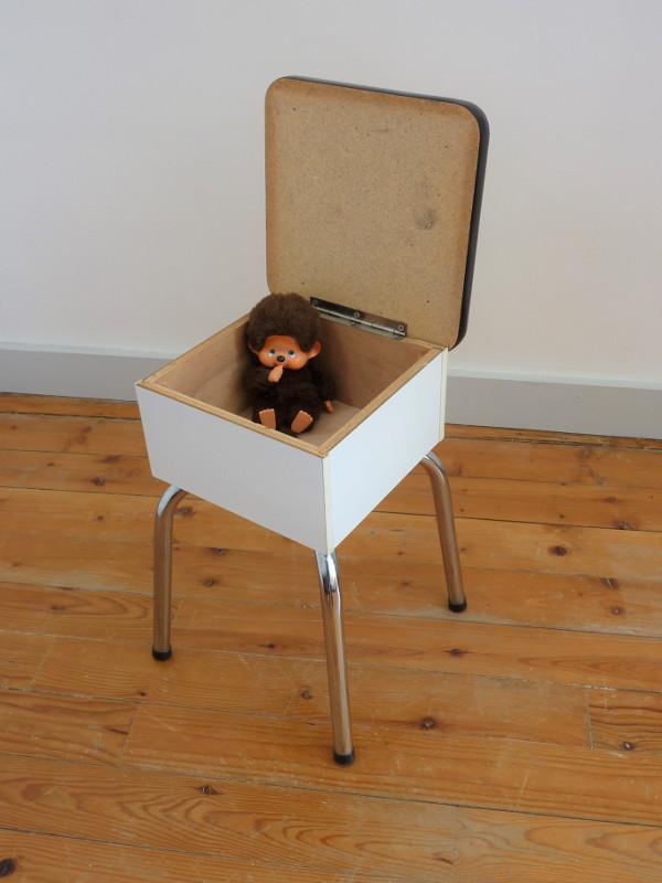 tabouret de cireur formica feeb 39 s little shop. Black Bedroom Furniture Sets. Home Design Ideas