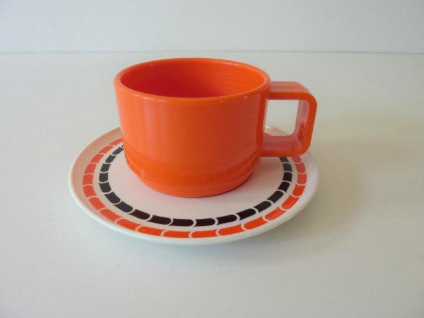 Tasses mélaminé orange 70's