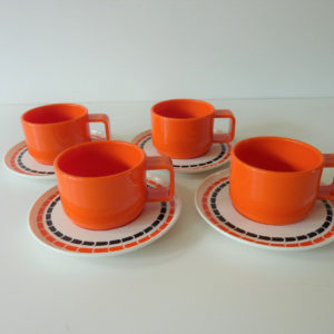 Tasses mélaminé orange vintage