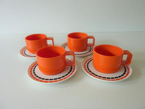 Tasses mélaminé orange vintage