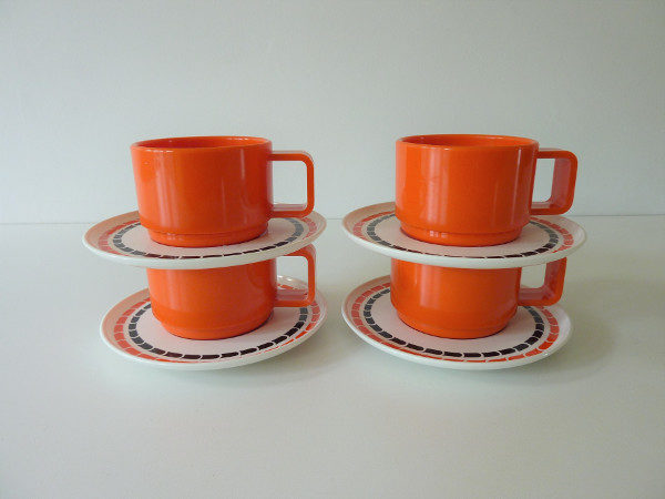 Tasses mélaminé vintage orange camping
