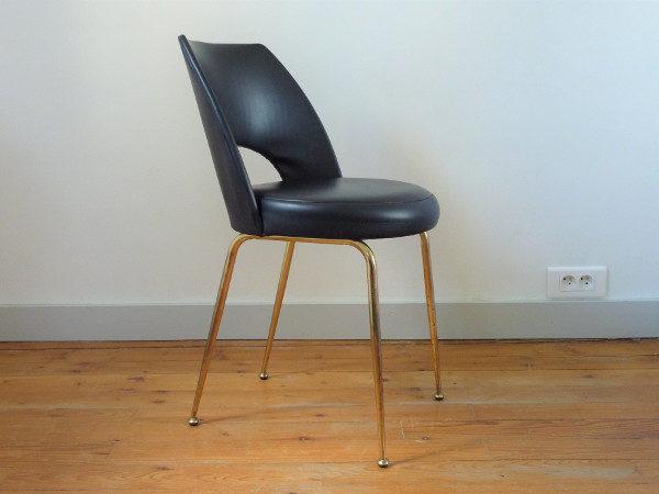 chaise tonneau cuir noir synthétique