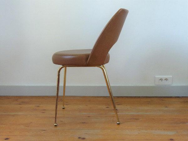chaise tonneau cuir synthétique chocolat