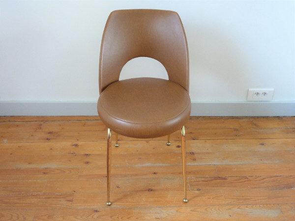 chaise tonneau cuir synthétique marron dessus