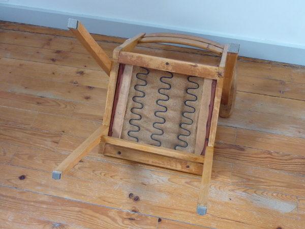 fauteuil bridge skaï bordeaux années 60 dessous