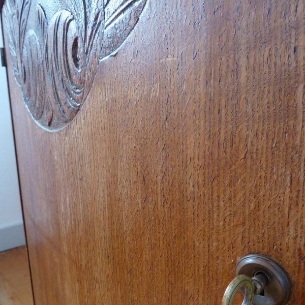 meuble de couture ancien bois massif sculpté