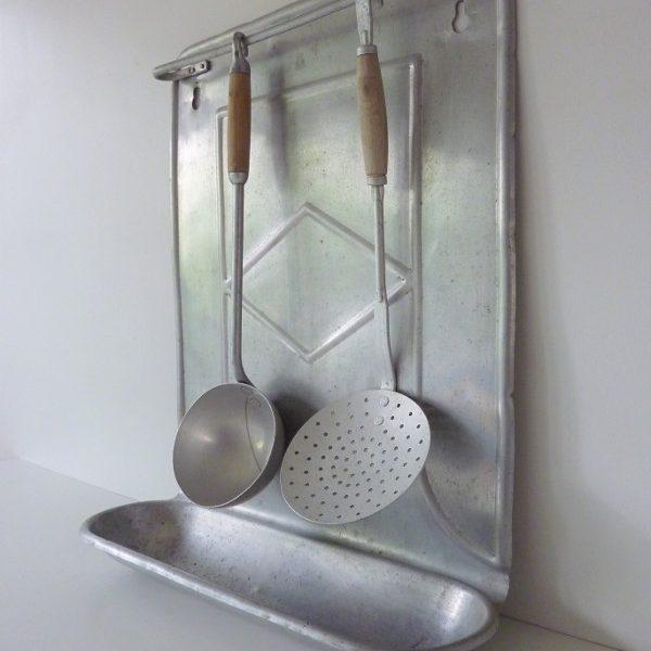 porte ustensiles ancien aluminium avec ustensiles