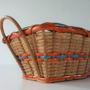 corbeille à anses en osier tressé coloré ancienne
