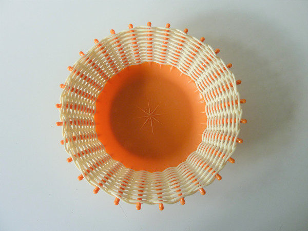 corbeille plastique orange et jaune vintage
