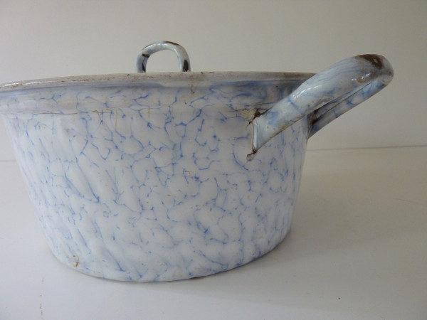 Bassine à couvercle émaillée à anses bleue