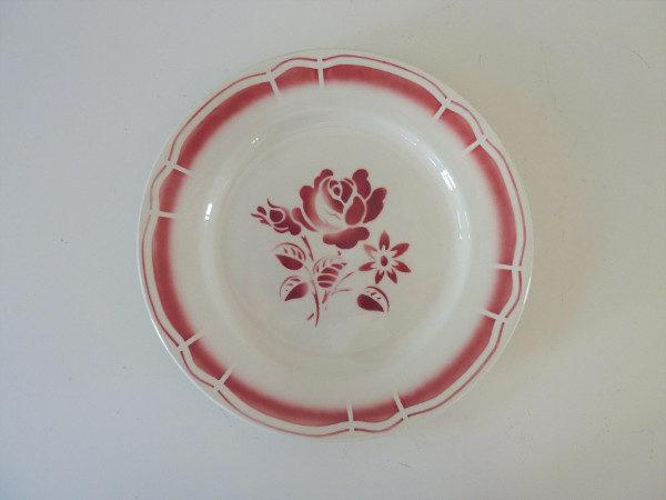 assiette plate bandonviller décor rose au pochoir