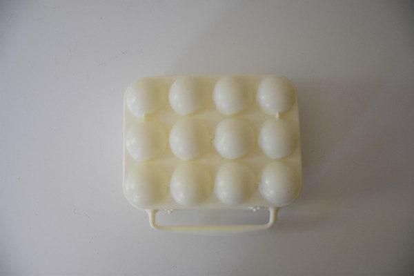 boite à oeufs vintage blanche