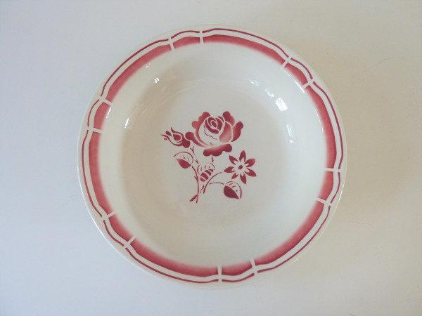 plat creux badonviller décor roses