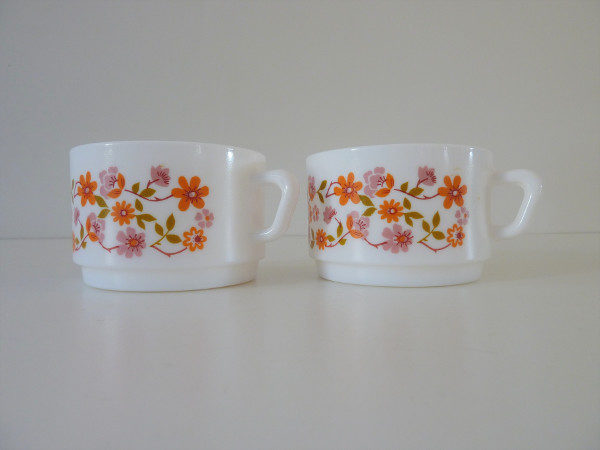tasses à thé scania arcopal années 70