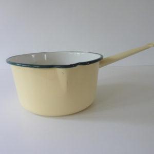 casserole émaillée beige