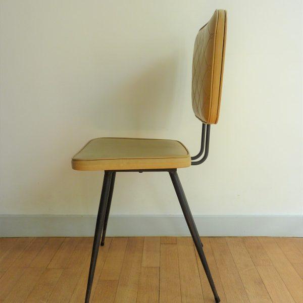 chaise en skaï moutarde vintage