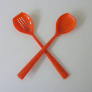 couverts de service vintage orange
