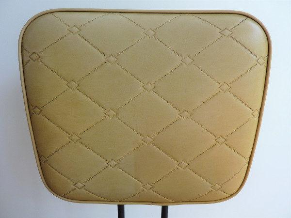 dossier chaise en skaï moutarde vintage