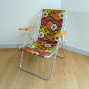 fauteuil pliant à fleurs vintage