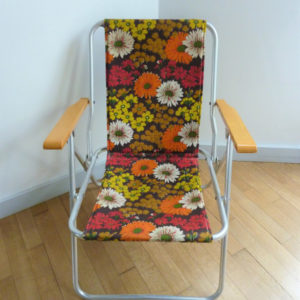 fauteuil pliant à fleurs vintage camping