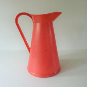 pichet gilac plastique rouge vintage