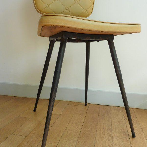 pieds chaise en skaï moutarde vintage