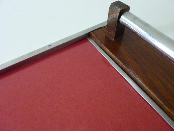 plateau bois et formica rouge détail