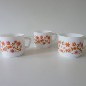 tasses scania arcopal fleurs orange vintage