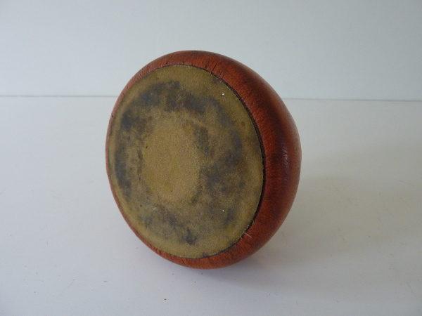 cendrier poussoir en cuir vintage orange