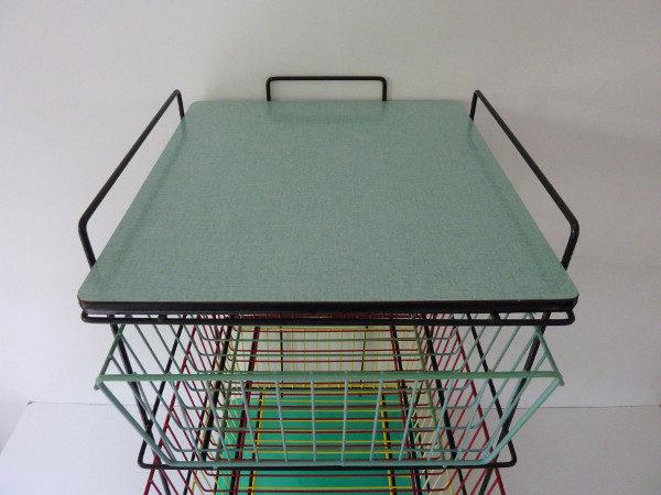 desserte à roulettes vintage multicolore plateau formica vert