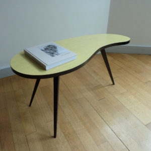 table haricot formica beige