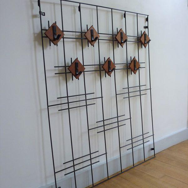 vestiaire mural string métal et bois