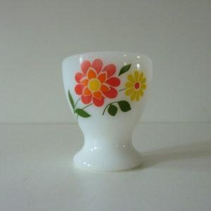 coquetier arcopal à fleurs seventies