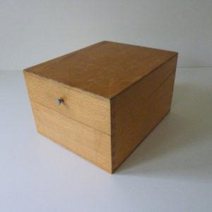Boite à fiche en bois ancienne C1